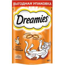 Лакомство DREAMIES для кошек с курицей 140 г